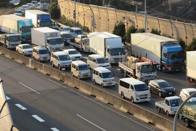 そもそも高速道路の渋滞の原因って?